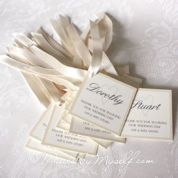 Tag Place Cards with Ribbon to tie onto your favour